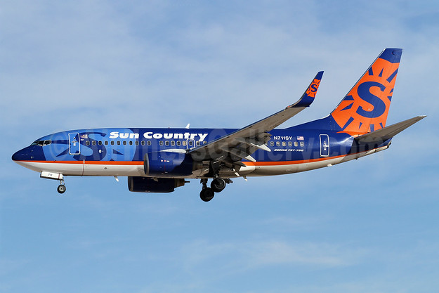 Sun Country Airlines Boeing 737-73V WL N711SY (msn 30245) LAS (James Helbock). Image: 907941.
