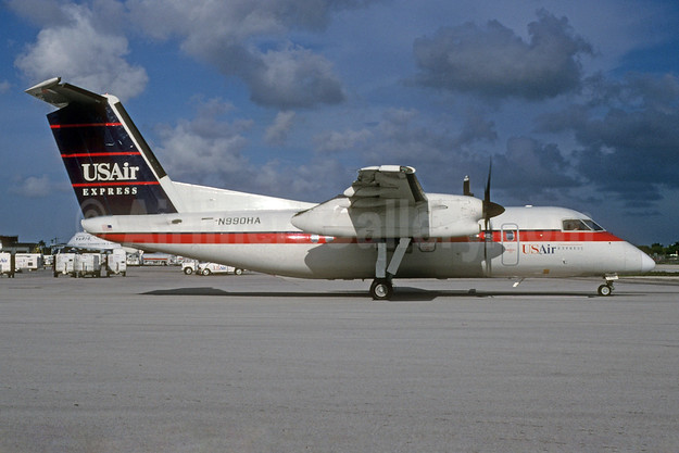 Airline Color Scheme - Introduced 1989 (USAir)