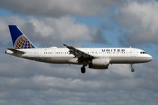 United Airlines Airbus A320-232 N447UA (msn 836)  MIA (Jay Selman). Image: 403444.