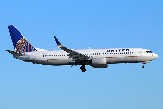 United Airlines Boeing 737-824 SSWL N24211 (msn 28771) LAX (Michael B. Ing). Image: 938708.