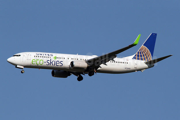 United Airlines Boeing 737-924 ER WL N75432 (msn 32835) (Eco-Skies) IAD (Brian McDonough). Image: 922859.