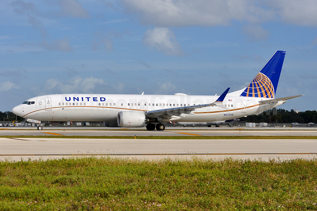 United Airlines Boeing 737-9 MAX 9 N37508 (msn 43439) FLL (Tony Storck). Image: 945289.