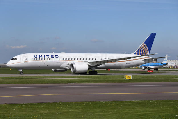 United Airlines Boeing 787-9 Dreamliner N13954 (msn 36405) AMS (Ton Jochems). Image: 946555.