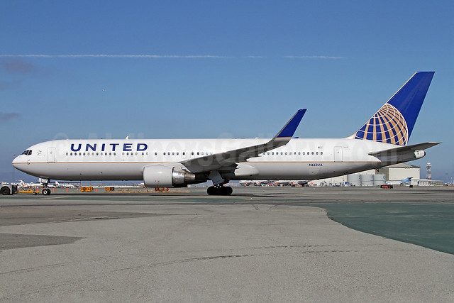 United Airlines Boeing 767-322 ER WL N668UA (msn 30024) SFO (Mark Durbin). Image: 909198.