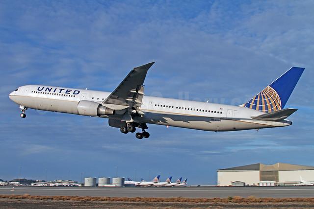 United Airlines Boeing 767-424 ER N69059 (msn 29454) SFO (Mark Durbin). Image: 922083.