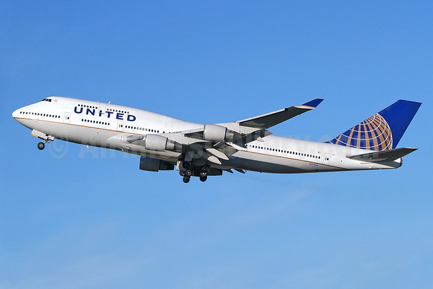 United Airlines Boeing 747-422 N177UA (msn 24384) LHR (Keith Burton). Image: 910644.