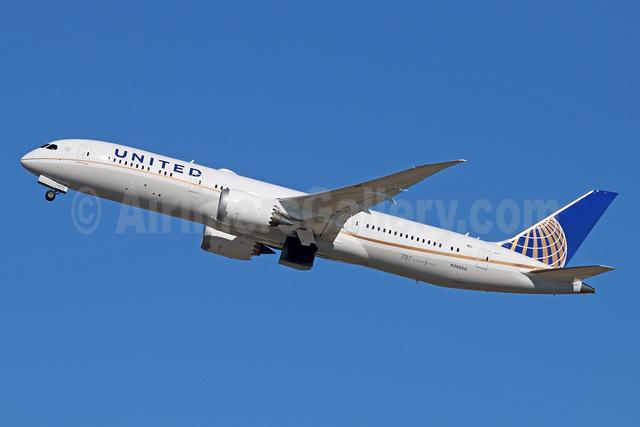 United Airlines Boeing 787-9 Dreamliner N38950 (msn 36401) LAX (Michael B. Ing). Image: 926051.