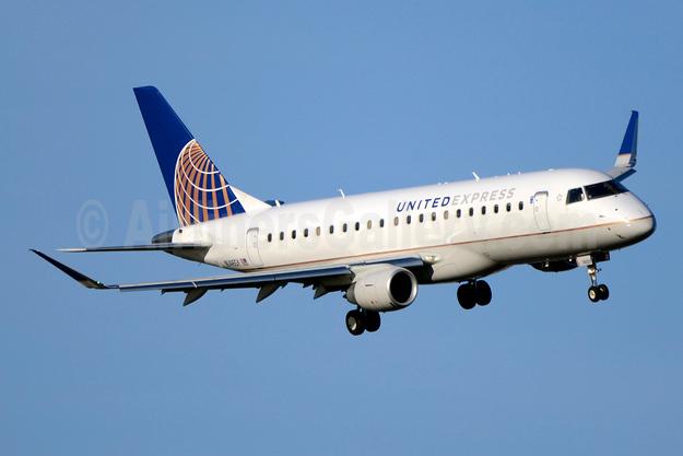 United Express-SkyWest Airlines Embraer ERJ 170-200LR (ERJ 175) N146SY (msn 17000491) DCA (Jay Selman). Image: 403712.