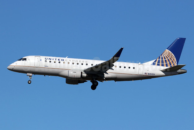 United Express-SkyWest Airlines Embraer ERJ 170-200LR (ERJ 175) N151SY (msn 17000503) LAX (Michael B. Ing). Image: 945522.