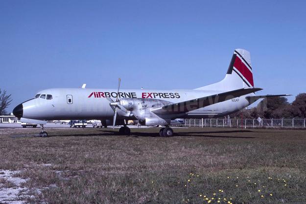 Airborne Express NAMC YS-11A-205 (F) N164P (msn 2053) MIA (Bruce Drum). Image: 103609.