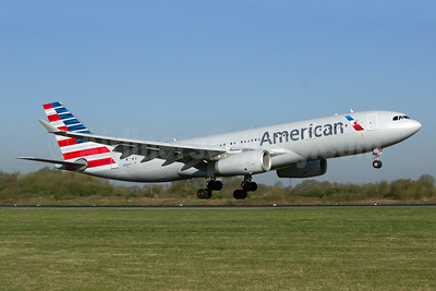 American Airlines Airbus A330-243 N287AY (msn 1417) MAN (Paul Ferry). Image: 928549.