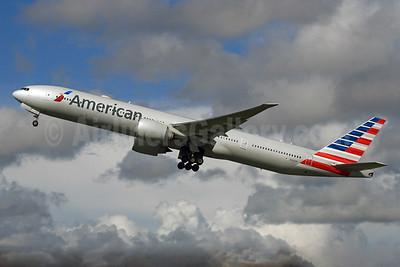 American Airlines Boeing 777-323 ER N733AR (msn 33524) LHR (SPA). Image: 929541.