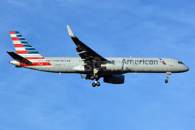 American Airlines Boeing 757-2B7 WL N935UW (msn 27201) CLT (Jay Selman). Image: 402735.