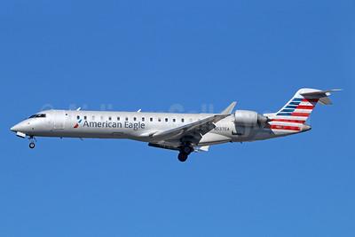 American Eagle (2nd)-Envoy Bombardier CRJ700 (CL-600-2C10) N537EA (msn 10316) LAX (Michael B. Ing). Image: 929284.