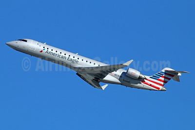 American Eagle (2nd)-Envoy Bombardier CRJ700 (CL-600-2C10) N518AE (msn 10126) LAX (Michael B. Ing). Image: 930108.