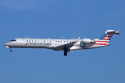 American Eagle (2nd)-Envoy Bombardier CRJ700 (CL-600-2C10) N529EA (msn 10307) LAX (Michael B. Ing). Image: 929283.