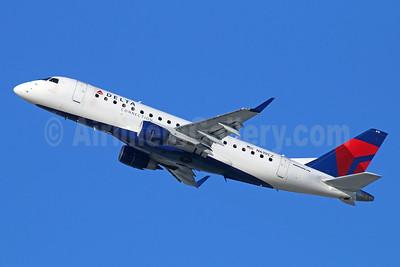 Delta Connection-Compass Airlines Embraer ERJ 170-200LR (ERJ 175) N619CZ (msn 17000213) LAX (Michael B. Ing). Image: 927097.