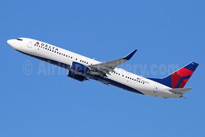 Delta Air Lines Boeing 737-932 ER WL N818DA (msn 31928) LAX (Michael B. Ing). Image: 928808.