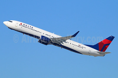 Delta Air Lines Boeing 737-932 ER WL N825DN (msn 31936) LAX (Michael B. Ing). Image: 928829.