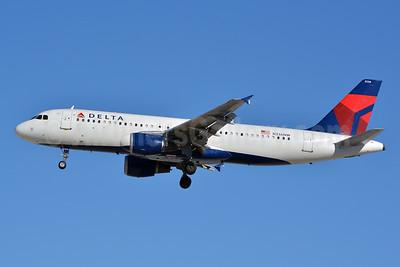 Delta Air Lines Airbus A320-211 N336NW (msn 355) LAS (Jay Selman). Image: 402440.