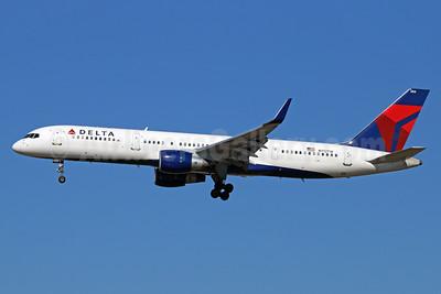 Delta Air Lines Boeing 757-2Q8 WL N712TW (msn 27624) LAX (Michael B. Ing). Image: 928830.