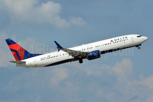 Delta Air Lines Boeing 737-932 ER SSWL N835DN (msn 31945) FLL (Jay Selman). Image: 402755.
