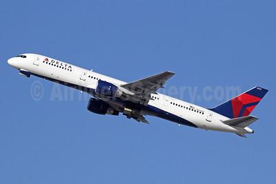 Delta Air Lines Boeing 757-251 N521US (msn 23209) LAX (Michael B. Ing). Image: 921461.