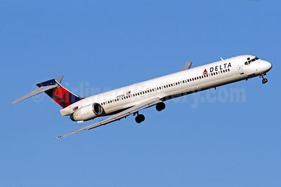 Delta Air Lines McDonnell Douglas MD-90-30 N959DN (msn 53529) DCA (Brian McDonough). Image: 928837.