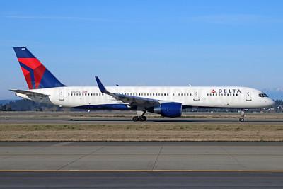 Delta Air Lines Boeing 757-2Q8 WL N713TW (msn 28173) SEA (Michael B. Ing). Image: 929633.