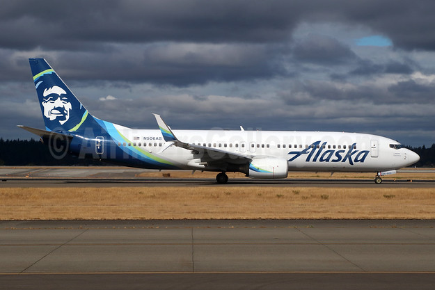 Alaska Airlines Boeing 737-890 SSWL N506AS (msn 35690) SEA (Michael B. Ing). Image: 942036.