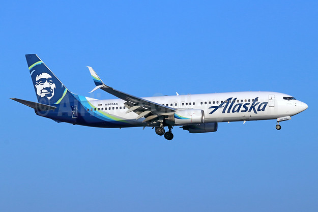 Alaska Airlines Boeing 737-890 SSWL N589AS (msn 35686) SNA (Michael B. Ing). Image: 944063.
