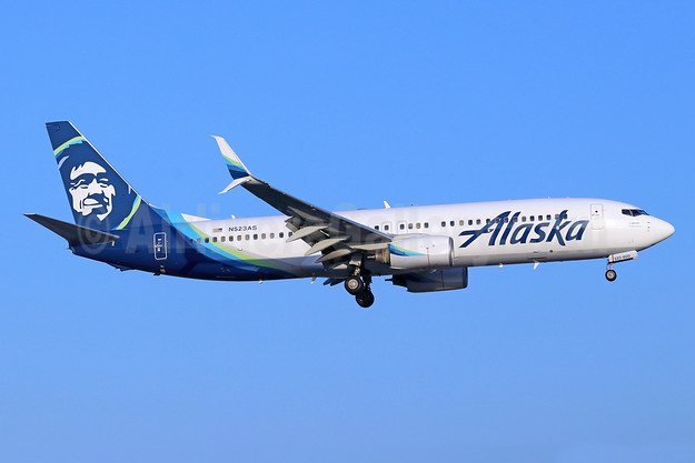 Alaska Airlines Boeing 737-890 SSWL N523AS (msn 35194) SNA (Michael B. Ing). Image: 943248.