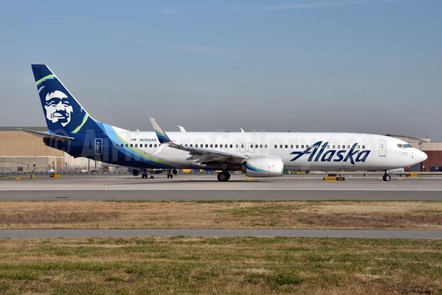 Alaska Airlines Boeing 737-990 ER SSWL N268AK (msn 36365) JFK (Fred Freketic). Image: 945414.