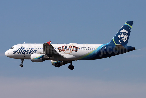 Second 2021 Giants special livery for the MLB playoffs
