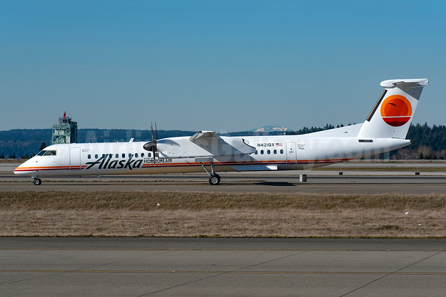 """Alaska celebrates Horizon Air"" in a 1981 livery"