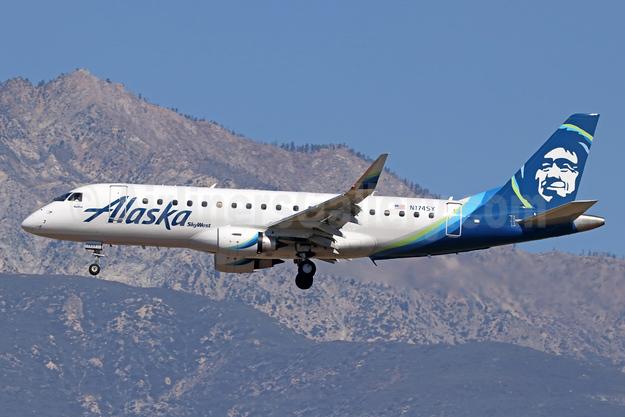 Alaska SkyWest (SkyWest Airlines) Embraer ERJ 170-200LR (ERJ 175) N174SY (msn 17000517) ONT (Michael B. Ing). Image: 941132.