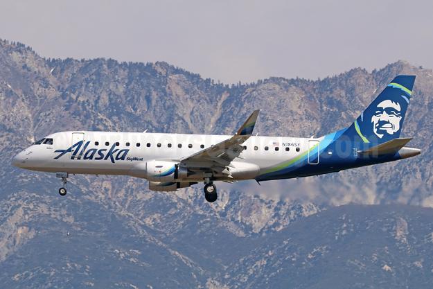 Alaska SkyWest (SkyWest Airlines) Embraer ERJ 170-200LR (ERJ 175) N186SY (msn 17000606) ONT (Michael B. Ing). Image: 938865.