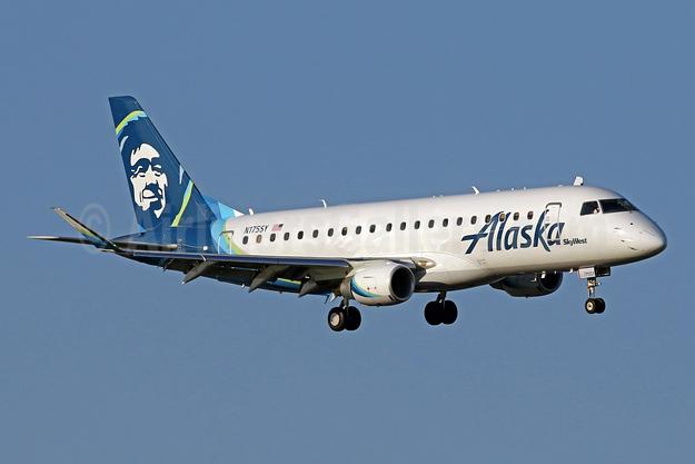 Alaska SkyWest (SkyWest Airlines) Embraer ERJ 170-200LR (ERJ 175) N175SY (msn 17000527) DCA (Brian McDonough). Image: 942382.