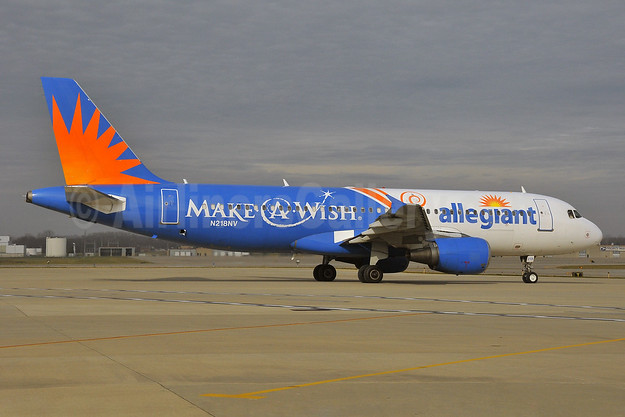 Allegiant Air Airbus A320-214 N218NV (msn 1229) (Make-A-Wish) IND (Ken Petersen). Image: 930270.