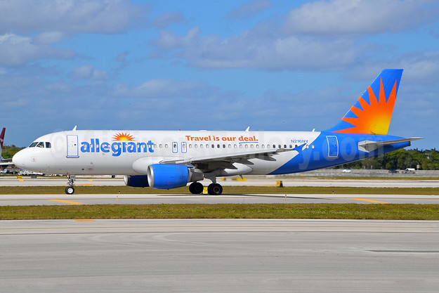 Allegiant Air Airbus A320-214 N216NV (msn 1318) (Travel is our deal) FLL (Bruce Drum). Image: 104448.