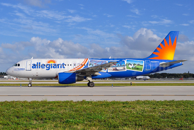 "Allegiant's 2015 ""Visit Florida"" postcards special livery"