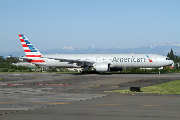 American Airlines Boeing 777-323 ER N717AN (msn 31543) PAE (Nick Dean). Image: 949429.