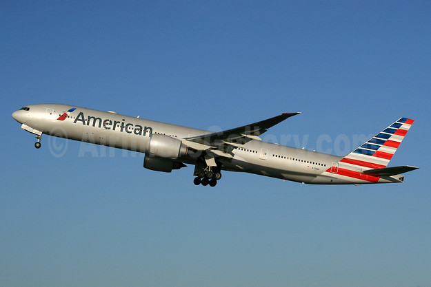 American Airlines Boeing 777-323 ER N718AN (msn 41665) LHR (SPA). Image: 927356.