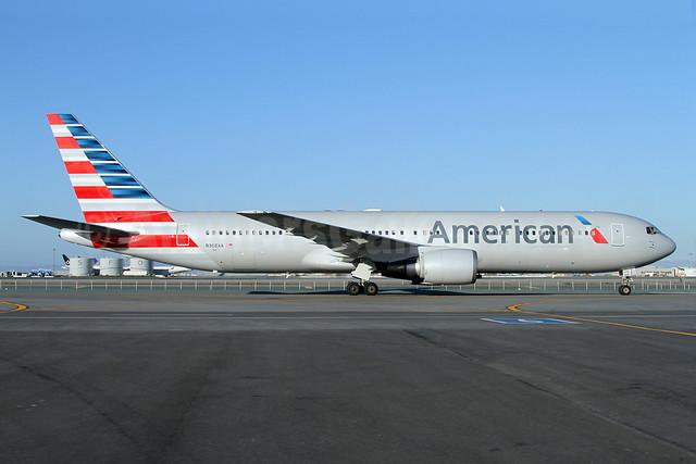 American Airlines Boeing 767-323 ER N368AA (msn 25195) SFO (Mark Durbin). Image: 911161.