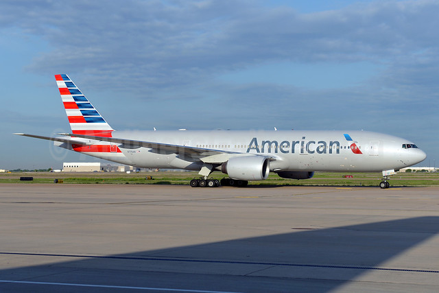 American Airlines Boeing 777-223 ER N775AN (msn 29594) DFW (Brian Peters). Image: 911910.