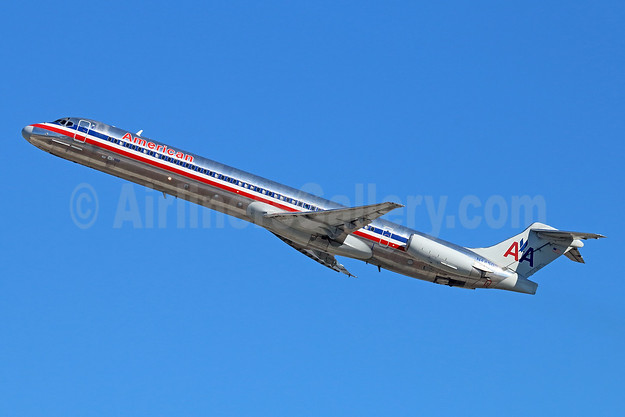 American Airlines McDonnell Douglas DC-9-82 (MD-82) N44503 (msn 49797) SJC (Michael B. Ing). Image: 930423.