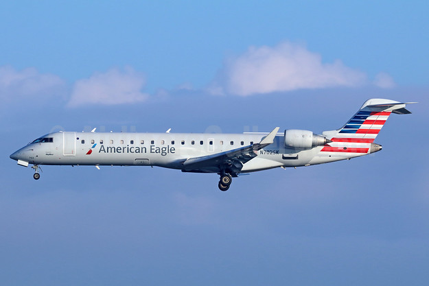 American Eagle Airlines (2nd)-SkyWest Airlines Bombardier CRJ700 (CL-600-2C10) N702SK (msn 10136) LAX (Michael B. Ing). Image: 936836.