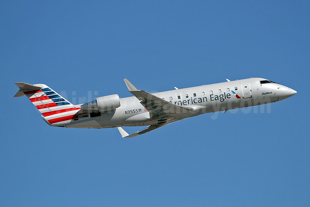 American Eagle Airlines (2nd)-SkyWest Airlines Bombardier CRJ200 (CL-600-2B19) N955SW (msn 7817) PHX (Keith Burton). Image: 946556.