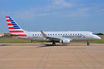 American Eagle (2nd)-Envoy Embraer ERJ 170-200LR (ERJ 175) N233NN (msn 17000561) DFW (Ken Petersen). Image: 937820.