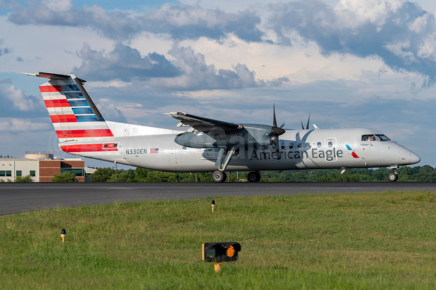 American Eagle (2nd)-Piedmont Airlines (2nd) Bombardier DHC-8-311 Dash 8 (Q300) N330EN (msn 274) CLT (Trent Sellers). Image: 942660.